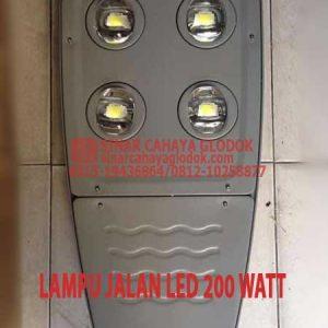 lampu jalan led 200 watt